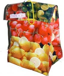 Lunch Bag ''fruit style'' gemaakt van tafelzeil (Toetie.nl)