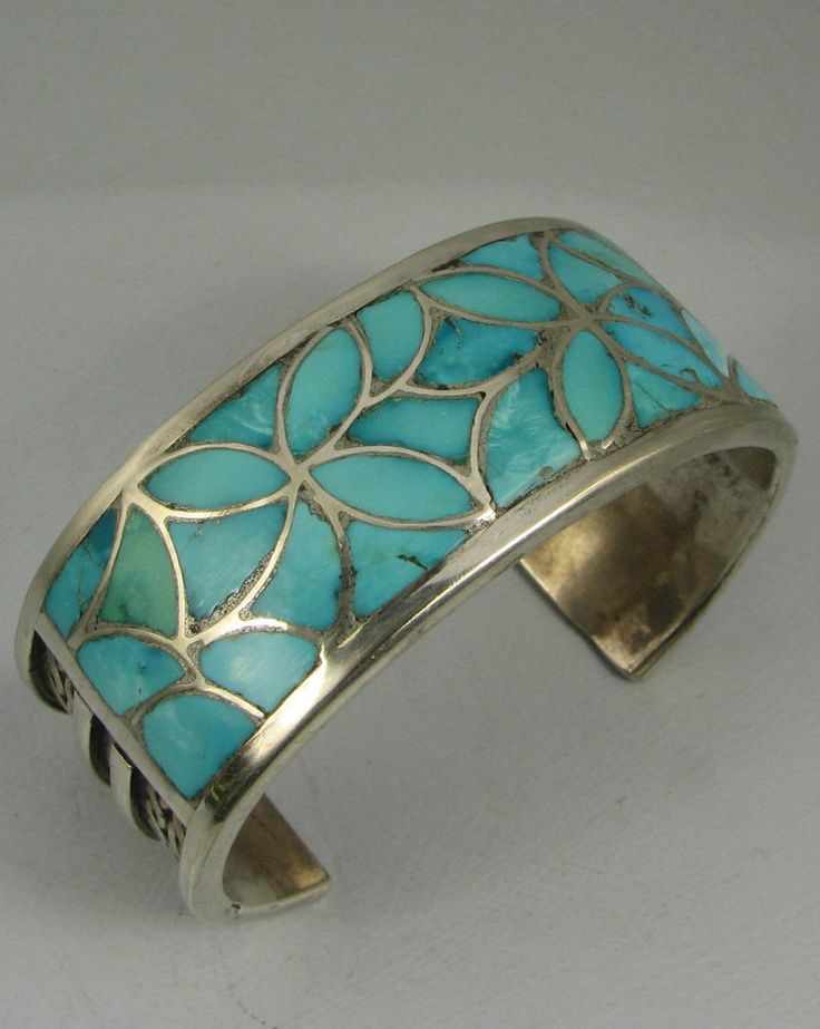 Fine Hvy Zuni Turquoise Floral Flush Inlay Bracelet