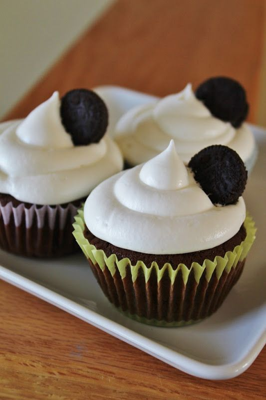 Oreo cupcakes w/whipped marshmallow frosting (topped mine with Andes ...
