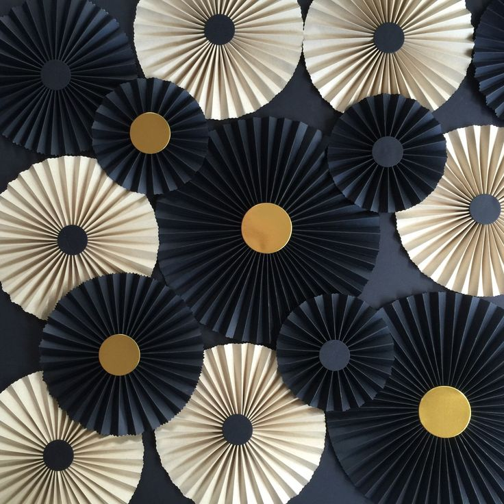 BLACK AND CRAFT Paper rosettes /Baby shower décor/Pinwheels/Paper fans/Wedding…