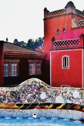 06 Parque Güell la Casa Larrard. 13170 - Parque Güell (Park Güell) Calle Olot, Monte del Carmel, Barcelona  Arquitecto: Antoni Gaudí con la colaboración de Josep Maria Jujol, Francesc Berenguer, Joan Rubió y Llorenç Matamala.