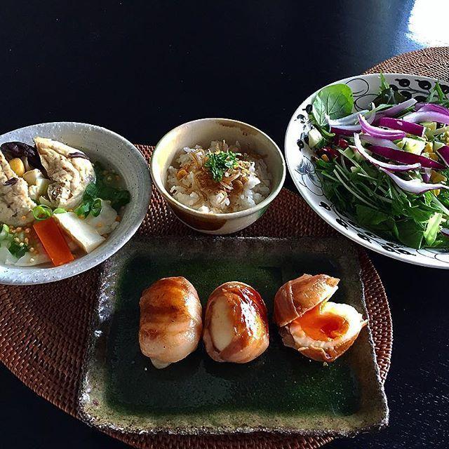 ⚪️ #肉 のリクエストに応えて作ったもの ⚪️ #豆腐 屋さんの、中に#百合根 とかたくさん入ってる#がんもどき と#湯葉豆腐 (湯葉豆腐大好き!)の汁物 ⚪️ 生姜と雑魚と紫蘇🌿 ⚪️ #foodporn#foodie#lunchtime#japanesefood#料理写真#料理日記#エルグルメ#cuisiner#ellegourmet#和食#teriyaki