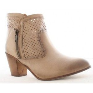 AMY HUBERMAN NOTTING HILL - Greenes Shoes http://greenesshoes.com/boots/8959-amy-huberman-notting-hill.html