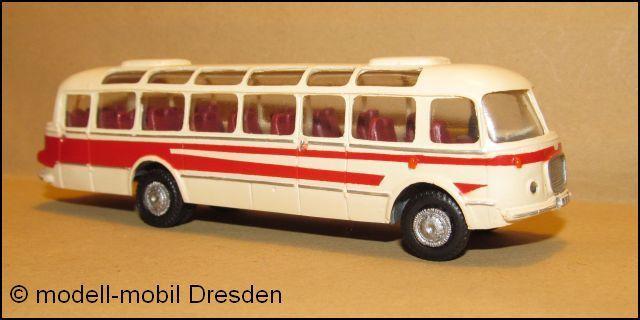 SKODA 706 RTO LUX Reisebus zweitürig CSSR Farbe:beige-rot RA-Modell Nr.101350