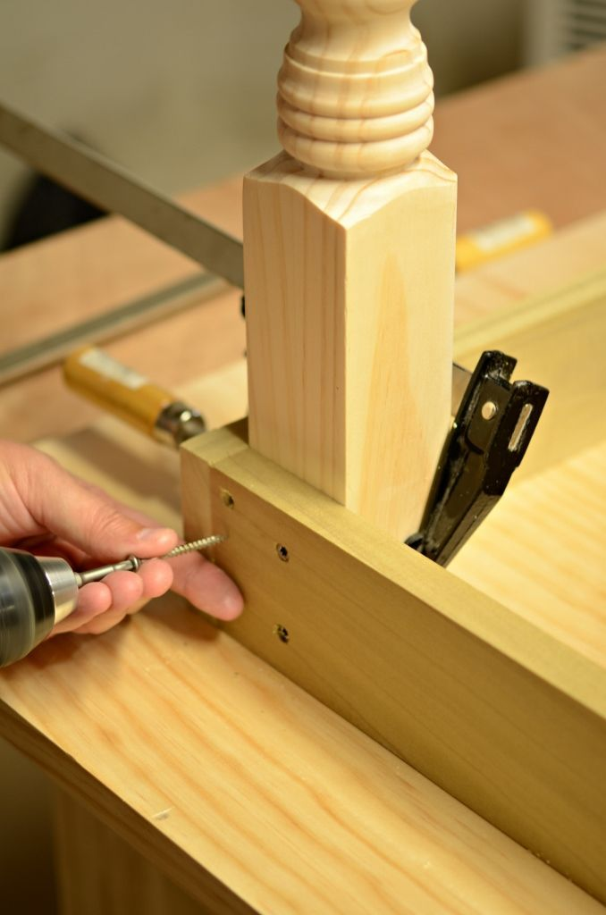 Farm Table - Step by Step... so easy! I would make a larger apron so I could make faux drawers