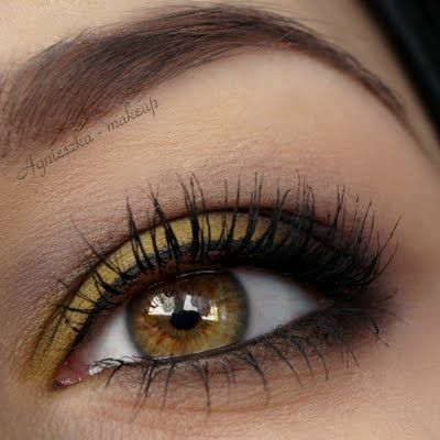 Olive Green And Brown Eye Shadow Easily Brighten Up Your
