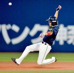 ヤクルトの山田選手の年連続のトリプルスリー獲得が確実になりました 横浜スタジアムで行なわれたDeNA戦で盗塁をマークしました さらには左翼席へ号ソロを放ちました これで打率本塁打盗塁と達成はほぼ確実な情勢です 年連続とは凄い tags[東京都]
