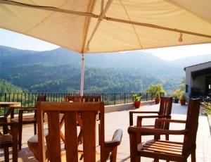 Escapada romántica en el Hotel Davall Plaça: noche con desayuno + cena en su excelente restaurante y más ¡Precio por pareja!