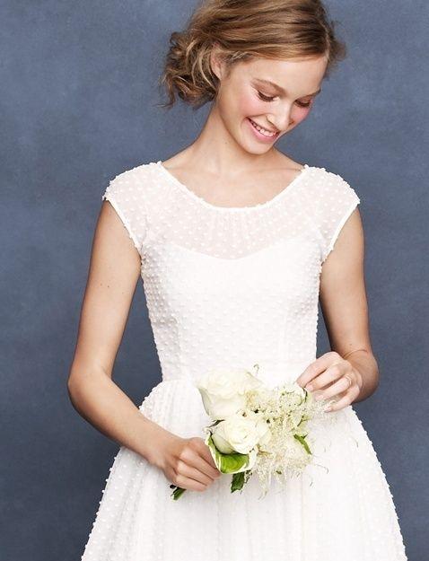 今年のトレンド!『フレンチスリーブ』で清楚な愛され花嫁に♡にて紹介している画像