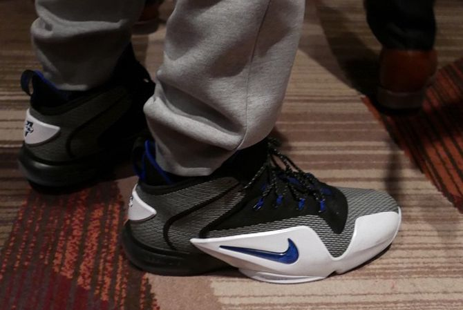 Penny Hardaway Nike Air Penny 6 | Sole Collector. It's that color combo.