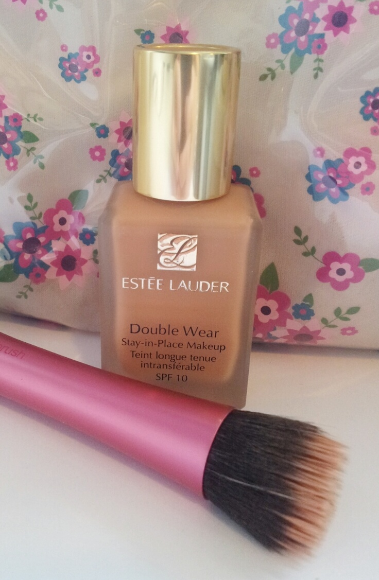 Real Techniques Stippling Brush and Estée Lauder Double Wear Foundation #review