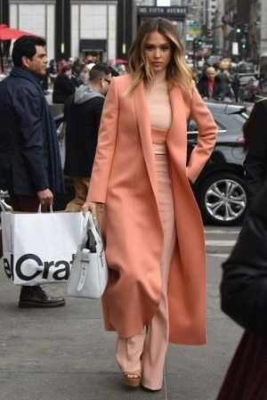 Jessica Alba Morgan Stanley's Executive Women's Conference March 10 2015 | Star Style - Celebrity Fashion - Celebrity Street Style
