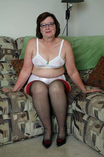 Pin On Sissy Adores Older Women-2913