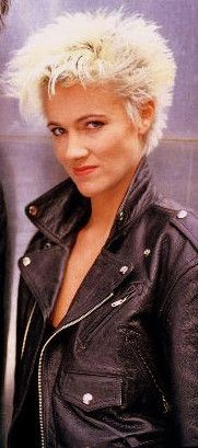 Marie Fredriksson of Roxette. A truly astounding voice.