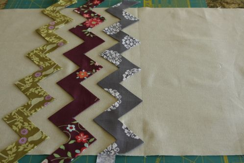 Mind-blowing way to make chevron strips #quilting