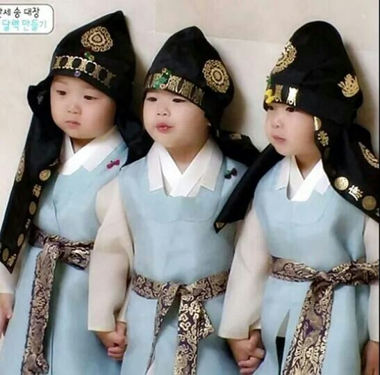 Three Mostcutest ! When triplets wearing hanbokkkk...they are sooooooo adorable #daehan #minguk #manse