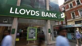 Lloyds Banking Group cuts 1200 jobs
