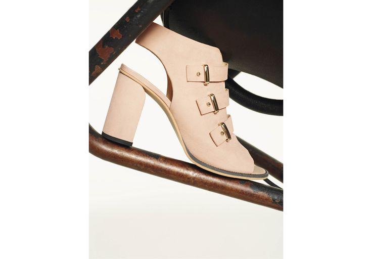 Dal beige all'azzurro: infinite sfumature soft From beige to baby blue: endless soft hues Scarpe/Shoes- http://it.pennyblack.com/p-5521055003001-sequoia-hazelnut