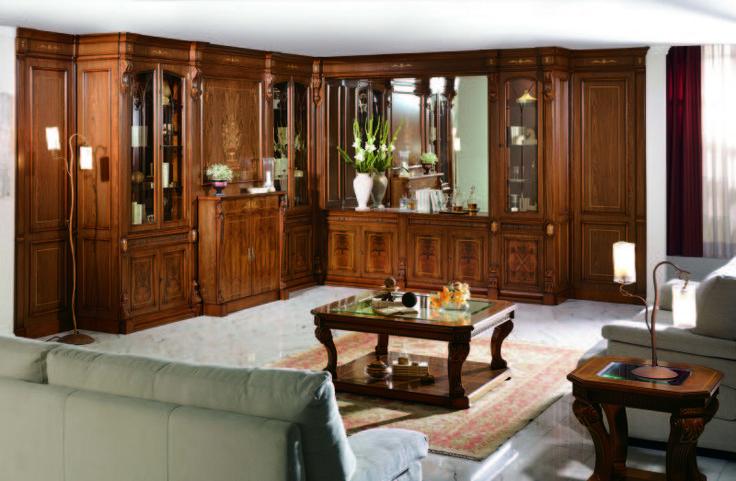 Imperio to panujący na początku XIX wieku styl w architekturze, aranżacjach wnętrz oraz meblarstwie. Imperio to styl pochodzący z Francji ale przyjęty przez wiele krajów europejskich podczas panowania Napoleona w Europie.  Klasyczne pilastry, stosowanie drzewa orzechowego hiszpańskiego oraz precyzyjnie wykonana intarsja łączą się z unikalnym wzornictwem PICO.