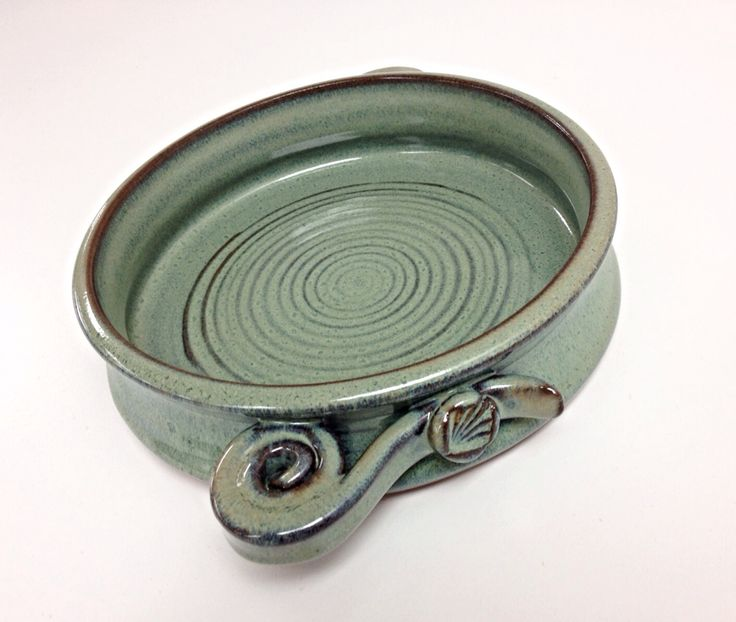 I like the handles on this casserole dish
