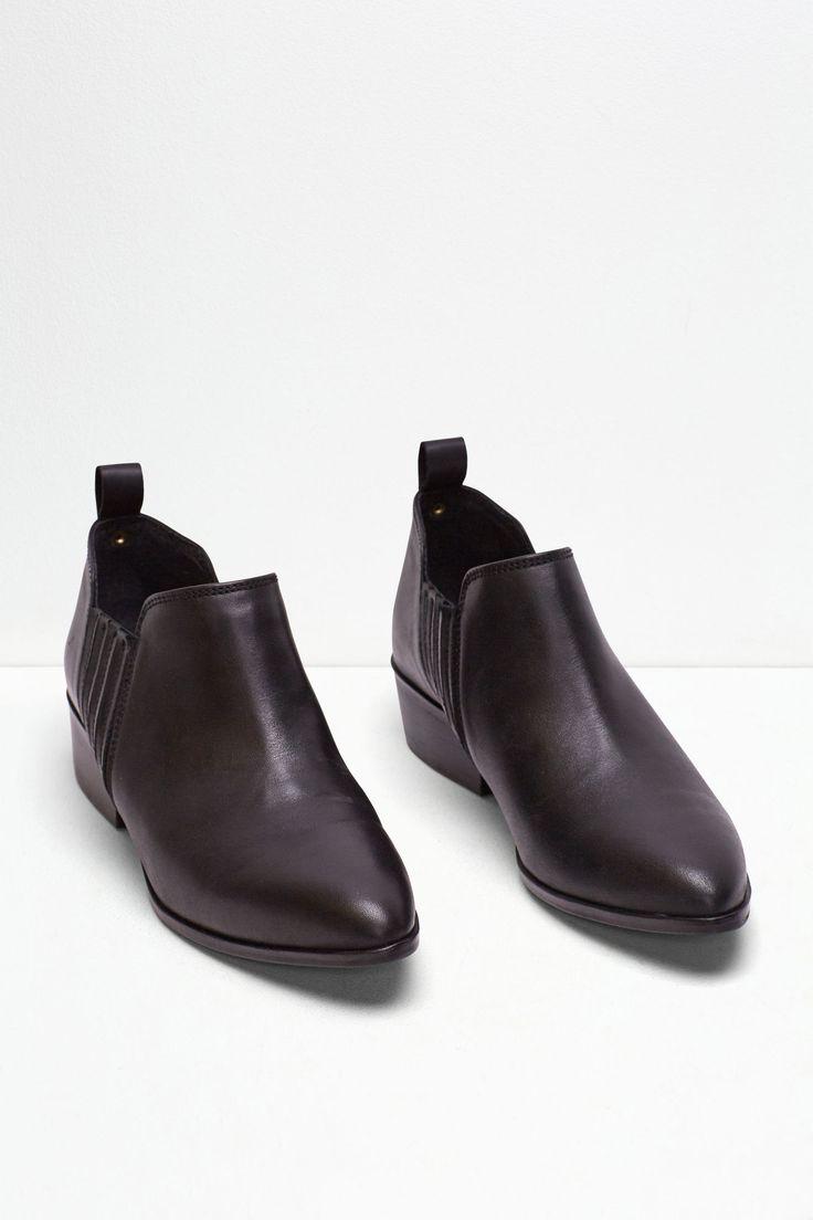 Botín bajo piel | Zapatos | Cortefiel