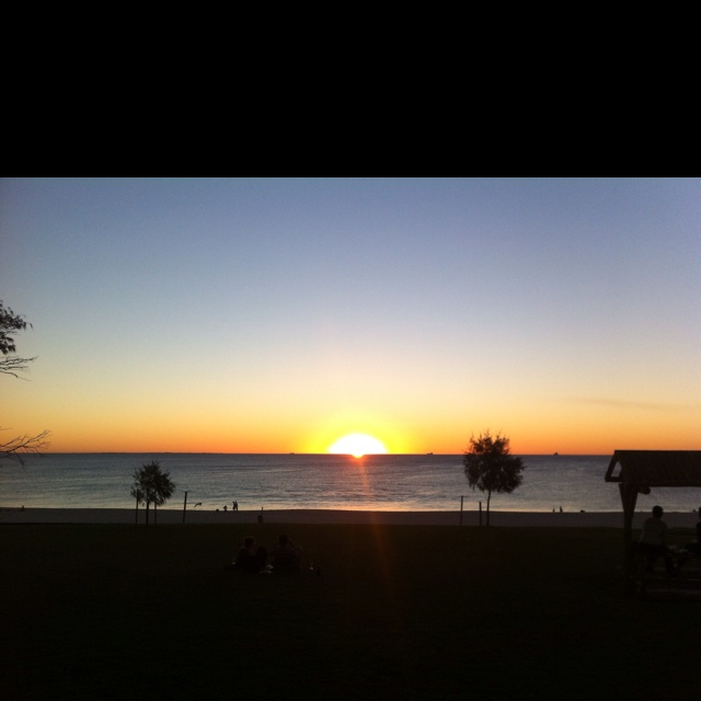 Sunset on the beachPerth, Sunsets, Weekend, Beach
