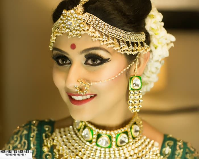 Bridal Wear - The Gorgeous Bride! Photos, Hindu Culture, Beige Color, Make Up, Bridal Makeup, Mangtika pictures, images, vendor credits - Amrapali Jewellery, WeddingPlz