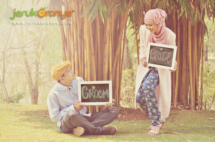 64 Foto Pra-Wedding Muslim Keren Dan Romantis - Sebuah tempat bisa berubah, manusia bisa menua, tapi sebuah foto tidak akan pernah berubah!...