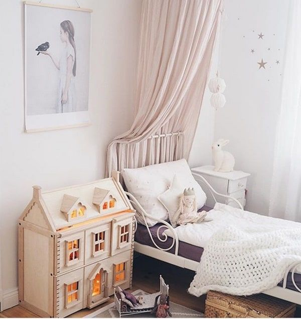 Some Amazing Kids' Bedrooms with Wooden Touches http://petitandsmall.com/kids-room-wood-touches/ #kidsroom #kidsroomdecor