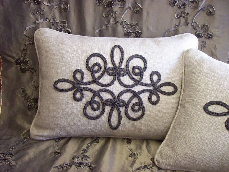 Custom designed and created by Patty Watkins. For inquiries please email; patricianwindowdesigns@yahoo {dot} com. #customhomedecor