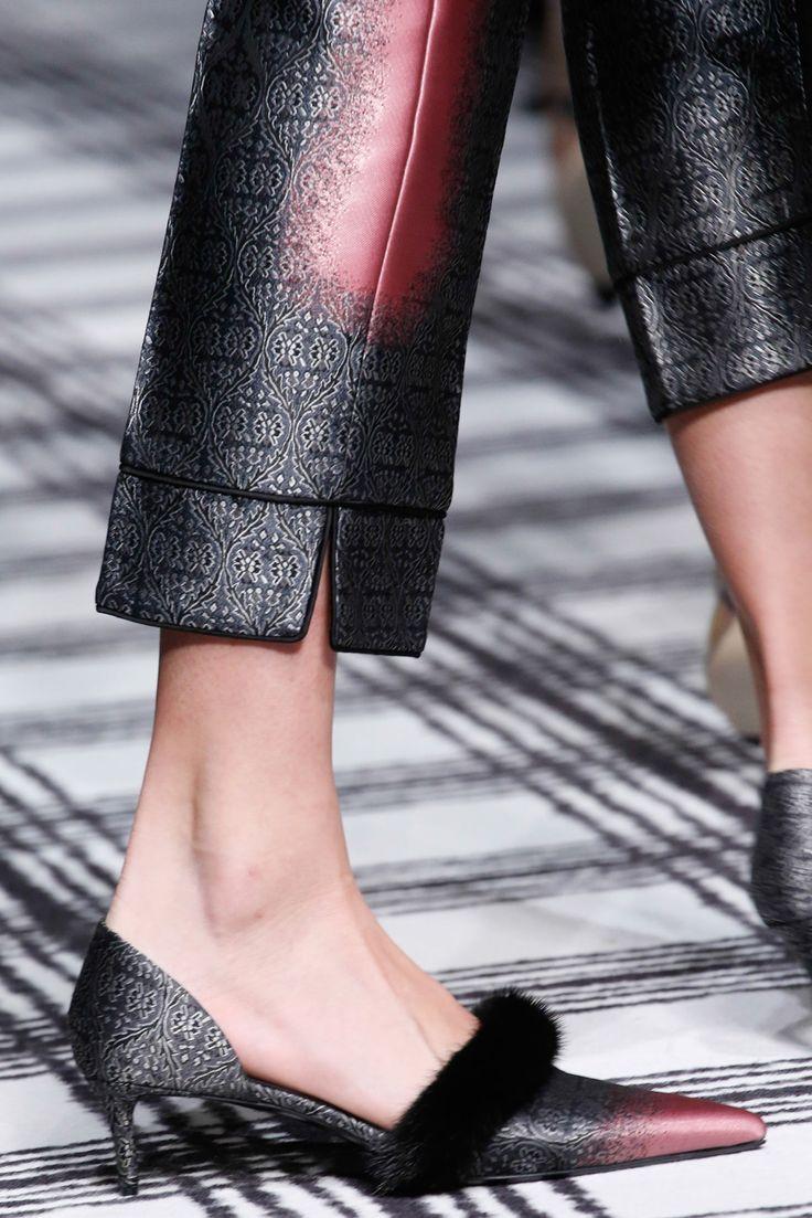 Balenciaga - Fall 2015 Ready-to-Wear - Look 104 of 114