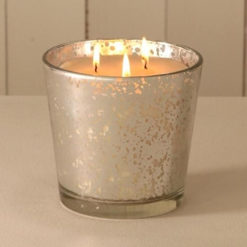 Fragrant candle in jar