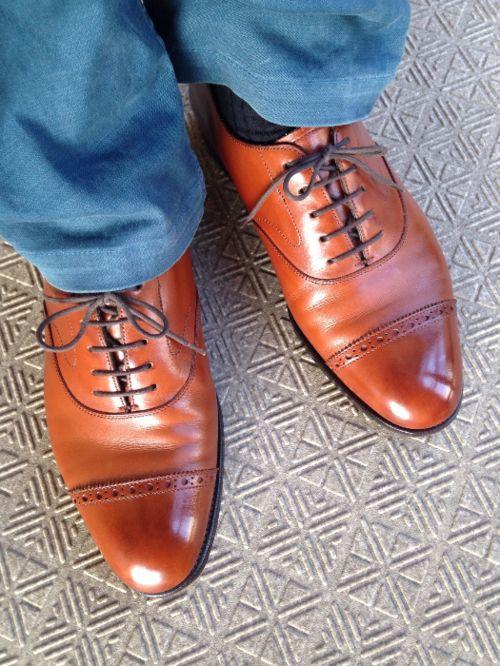 <今日の1足>エドワードグリーン バークレー 茶系の革靴って、お手入れがされているのか、分かりやすいですよね。 「オシャレは足元から」という言葉がありますが、 もしかしたら、みなさんの靴も職場でチェックされているかもしれませんね。 http://doublesole.com/shoes/325 #エドワードグリーン