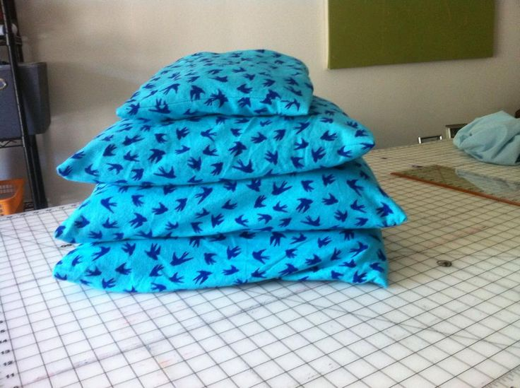 Envelope Pillow Cases from the Crafty Gemini Tutorial ://.youtube. & 17 mejores imágenes de Sewing machines i\u0027am looking en Pinterest ... pillowsntoast.com