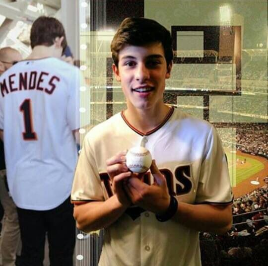 Shawn Mendes, only the fact that he likes sport makes him soooo hot, shawn mendes love