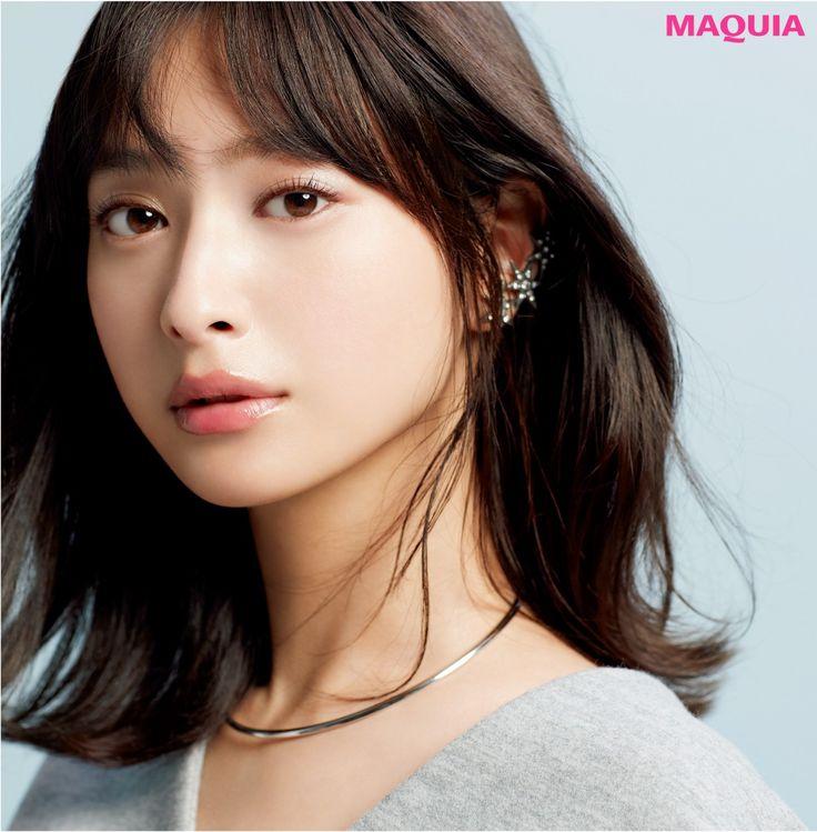 「MAQUIA」12月号では、透明感があって繊細さを感じる北欧系ハーフ顔の作りかたをプロのヘアメイクに聞きました。ポイントを押さえれば誰でもなれる!私でもなれる!潤みシルバーをきかせて、澄んだ透明感北欧系ハーフ顔『日本人なのに、どことなくハーフ...