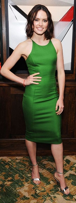 5 dresses that prove Star Wars' Daisy Ridley is a style Jedi (like this green Michael Kors cocktail dress!)
