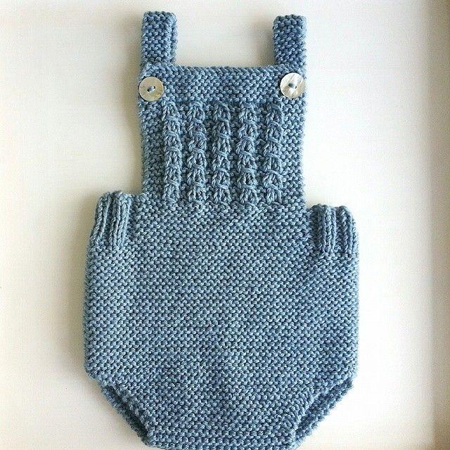 Medios de Instagram por babyandpoint - Encantada con la nueva ranita, como me gusta this color! ! #babyandpoint #knitting #pasionporelpunto