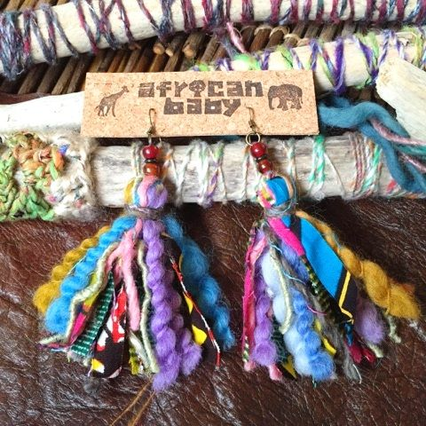 アフリカ布と毛糸のタッセルピアス2 - africanbaby