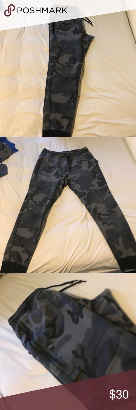 Nike Tech fleece joggers Nike tech fleece joggers Nike Pants Sweatpants & Joggers