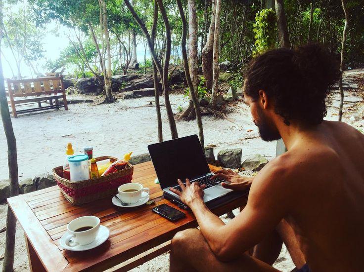 Office Not Required No.31 #officegoals  . . . . . . #digitalnomads #remote #remotelife #remotework #remoteyear #nooffice #nomad #lifestyle #like4like #followme #travellife #travelgram #instadaily #coding #programmation #nomadlife #ruby #development #javascript #bali #chiangmai #cambodia #goodmorning #work