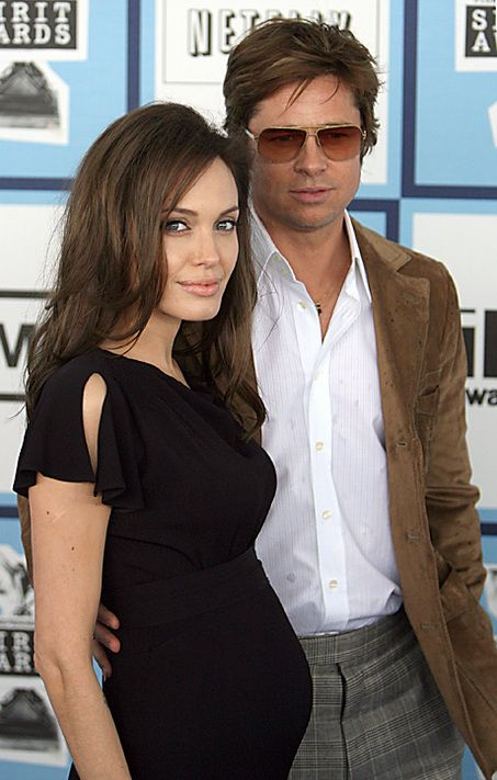 this is my fave preggy pic of Brangelina. You gotta admit-they can be cute :) As nauseating as Hollywood is...