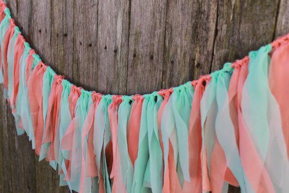 Stoff-Girlande. Koralle & Minze Hochzeit Girlande. Hochzeit Zeremonie Kulisse. Foto-Prop. Baby Bunting Dusche. Hochzeit-Banner. Party-Dekor.
