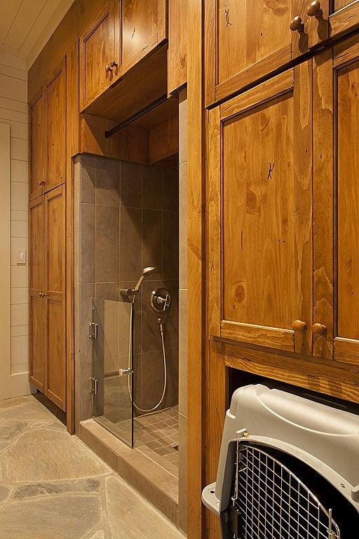 66 best pet showers images on pinterest bathrooms dog shower and pets craftsman mud room found on zillow digs what do you think solutioingenieria Images