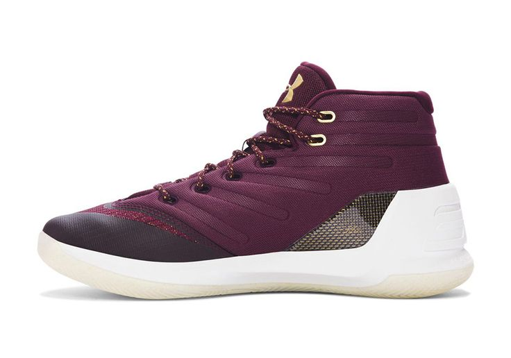 The UA Curry 3 Christmas colorway features accents of Deep Maroon, Metallic Gold and Black that hints at who Steph will be playing on Christmas Day.