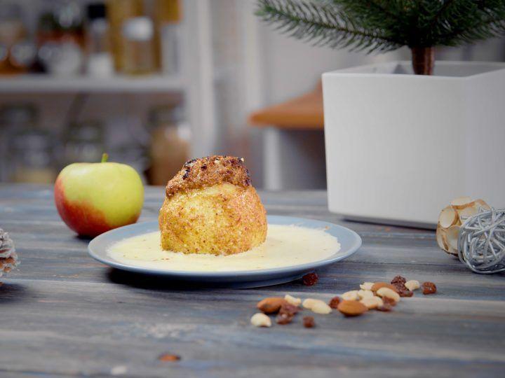 Weihnachtlicher Bratapfel mit Nüssen