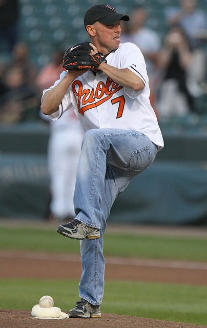 Kenny Chesney and baseball .....oh my....help me!