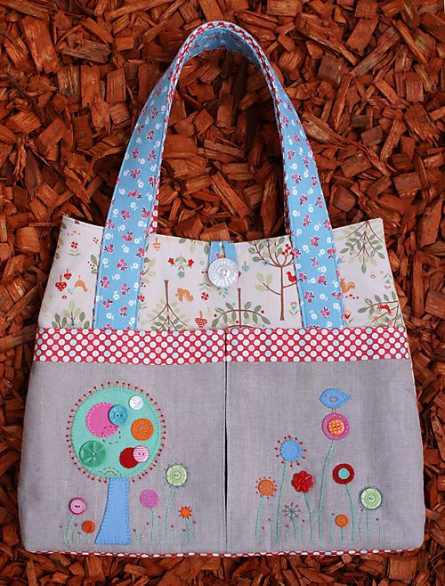 Melly and Me FLOWER GARDEN Bag Tote Purse Sewing by MyPatternPlace, $12.00