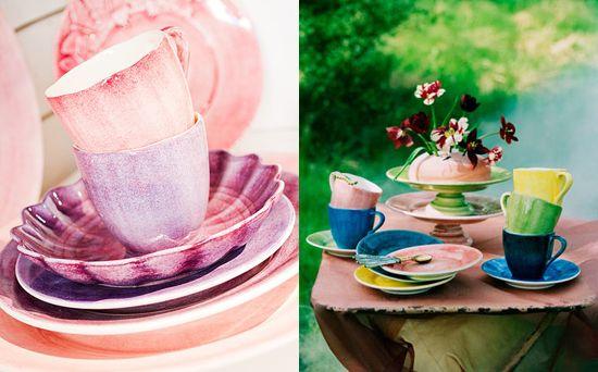 http://inredningsvis.se/porslin-som-huvudratt/  porslin-porcelain-mateus-rosa-blå-grön