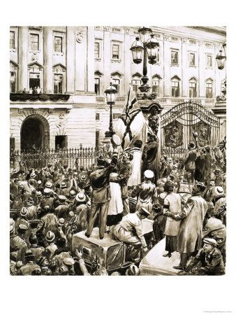 Crowds outside Buckingham Palace cheer King George V on Armistice Day, 1918.